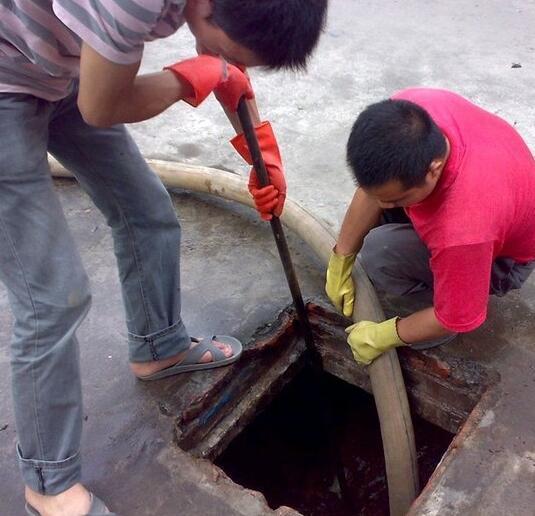 彭水清理化粪池