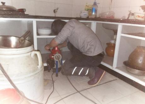 疏通厨房下水道图片